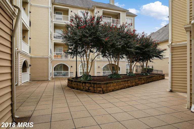Do You Want A Garden-Style Condo With A Garage Like 4550 Strutfield Ln #2128? thumbnail