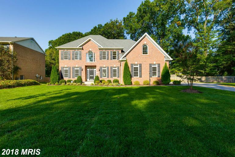 $1,100,000 :: 8600 Fort Hunt Rd Alexandria Virginia 22308 thumbnail