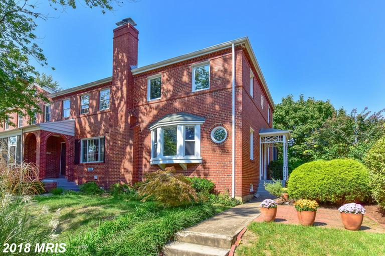 $699,900 3-bedroom Colonial-style Colonial For Sale For $699,900 In 22301 In The City Of Alexandria thumbnail