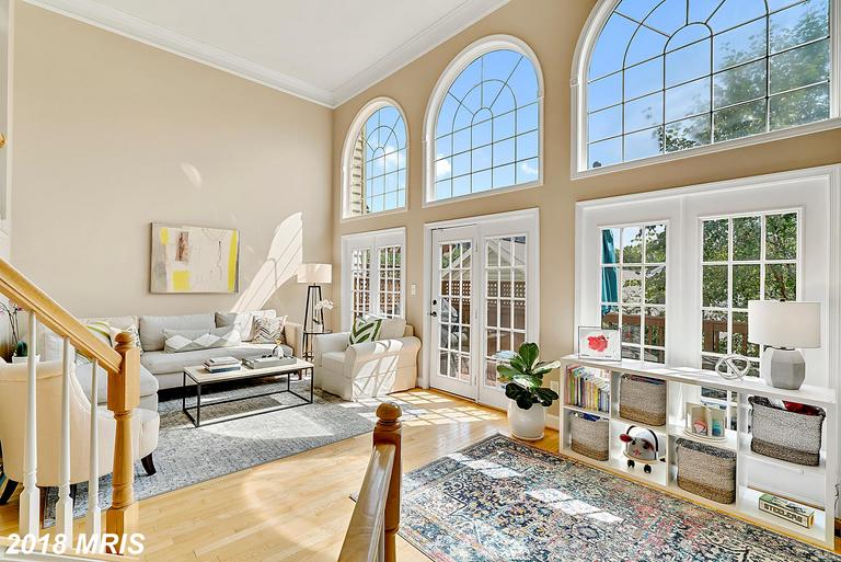 3-BR Townhouse Listed At $669,000 In Northern Virginia thumbnail