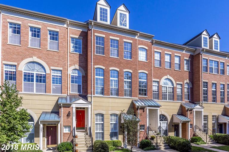 Luxury $599,000 Townhouse Residence At 12079 Trumbull Way #2079-8 In Reston VA 20190 thumbnail
