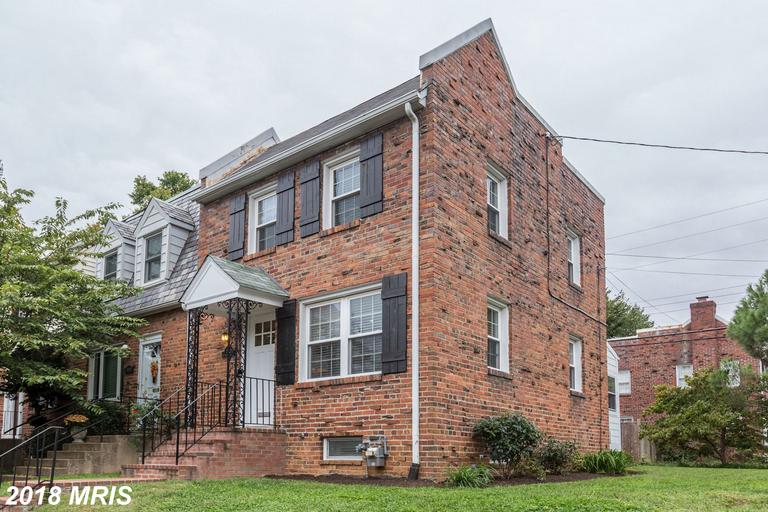 Glebewood Village Listing In 22207 In Arlington County For $589,900 thumbnail