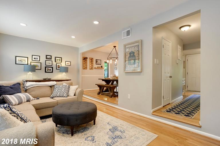 $349,900 For 3 BR / 3 BA Townhome In 20191 thumbnail