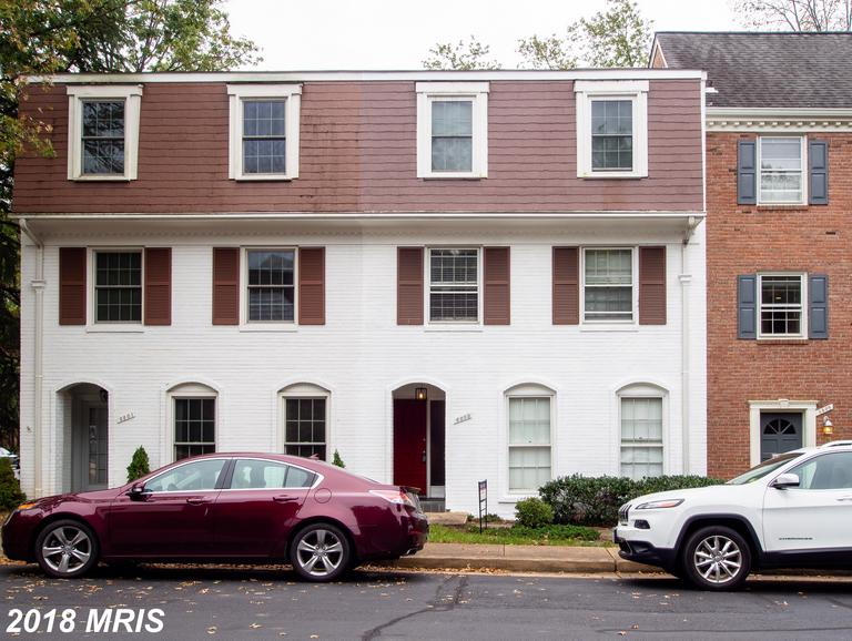 $3,100 :: 6803 Market Square Dr, McLean VA 22101 - With Comparable Rentals thumbnail