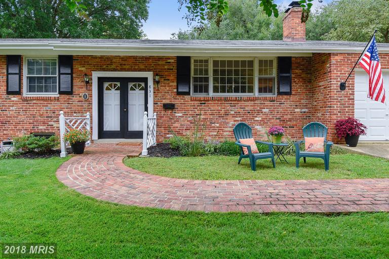 $664,000 For 4 BR / 3 BA Raised Rambler In Northern Virginia thumbnail