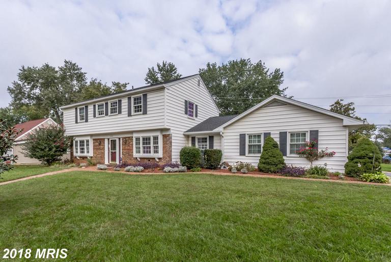 $599,999  ::  13100 Poplar Tree Rd Fairfax VA 22033 thumbnail