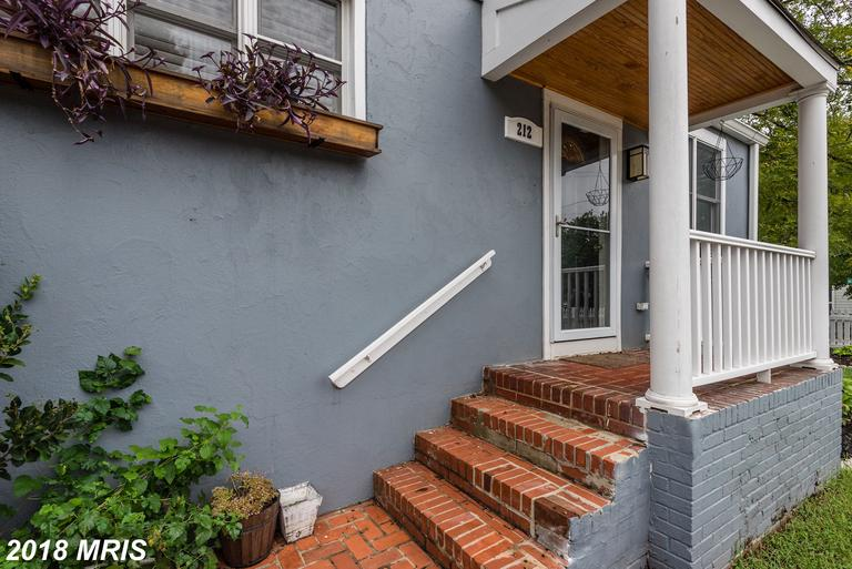 Mid-Market Bungalow Advertised For Sale In The City Of Alexandria thumbnail