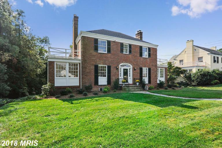 $1,825,000 In Alexandria, Virginia At Braddock Heights // 4 Beds // 4 Full Baths - 1 Half Baths thumbnail
