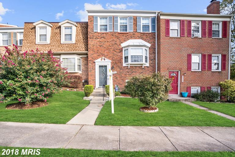 Newly Listed At Townhome 12315 Antietam Rd Woodbridge VA 22192 Townhome /// $289,900 thumbnail