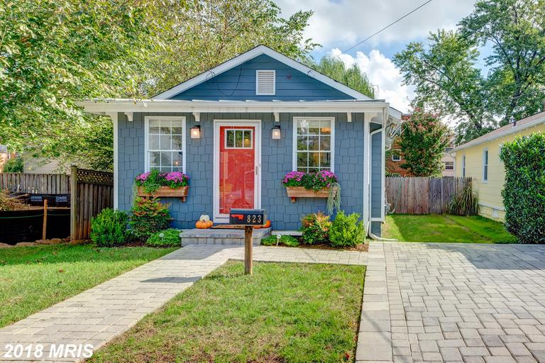 Small Bungalow For Sale In Arlington thumbnail