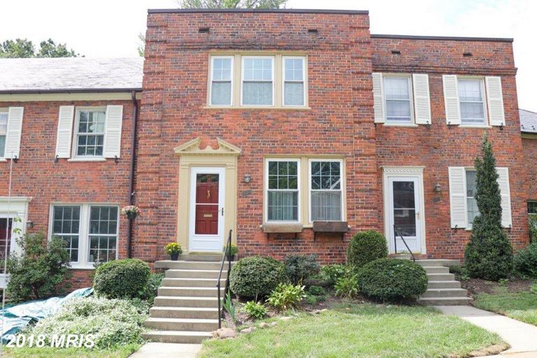 2 BR / 1 BA TownhouseListed At $389,900 In Arlington Village thumbnail