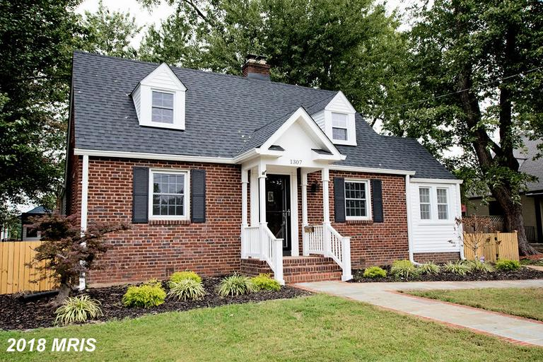 Mid-sized Cape Cod-style Home For Sale Like 1307 Cleveland St In Alexandria Virginia thumbnail