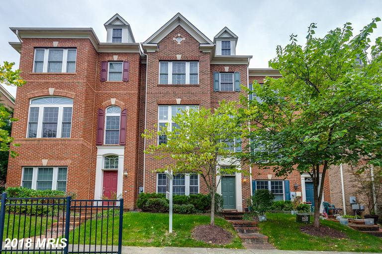 $604,990 For 4 BR / 3 BA Townhouse In Fairfax, Virginia thumbnail