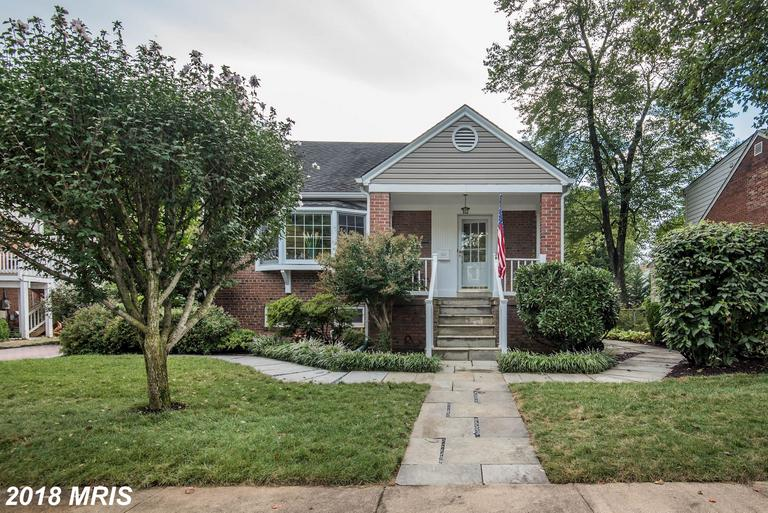 Close To West Falls Church/VT-UVA Metro Station // 11 Days On Market In 22046 - $3,995 thumbnail