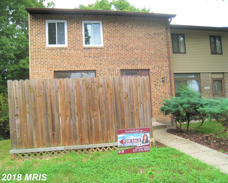Learn More About This Townhouse At 12621 Oakwood Dr Woodbridge VA 22192  /// $269,900 thumbnail