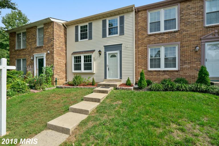 Whitfield Green Colonial Townhouse In Fairfax For $385,000 thumbnail