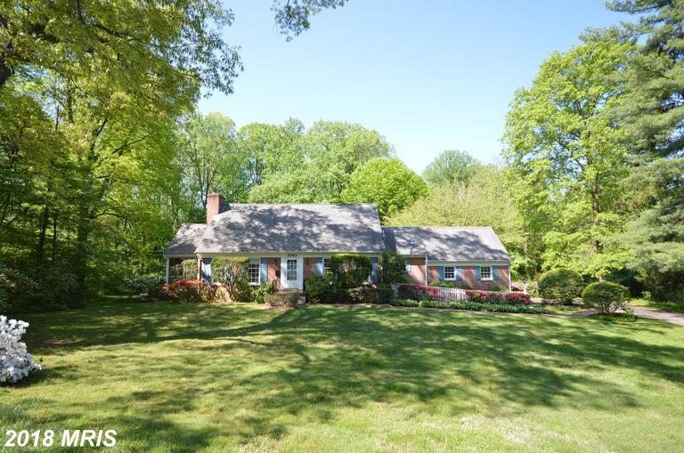 The Best Cape Cod-Style Home In Fairfax County thumbnail