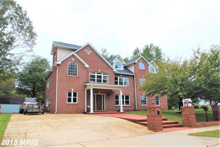 Conspicuous Premium 8-Bedroom $929,000 Home /// 3216 Blundell Rd Falls Church VA 22042 thumbnail