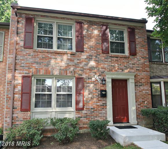 Modest 3-Bedroom Townhouse In Falls Church, Virginia thumbnail