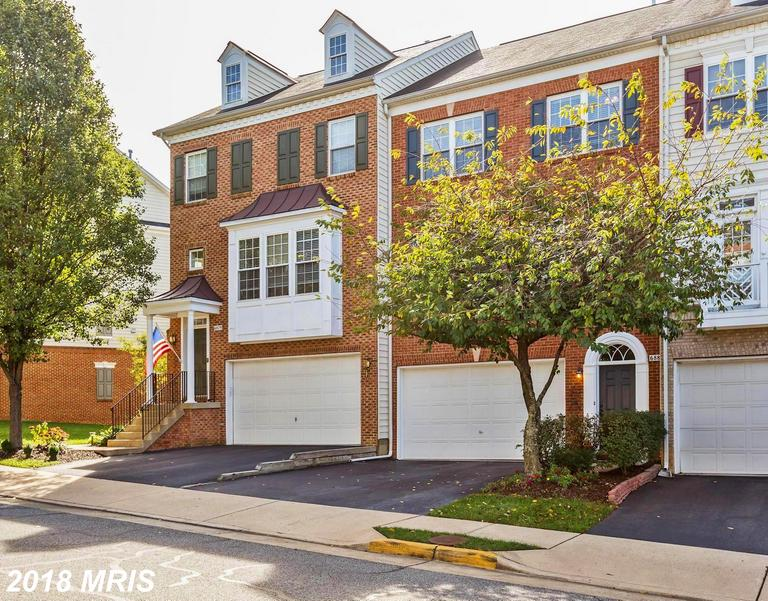Save $3,231 On A 3-bedroom Colonial Townhouse In Alexandria, Virginia thumbnail