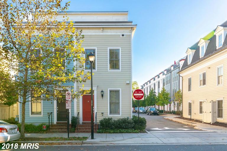 Old Town Commons: A Community Of Residences In Alexandria thumbnail
