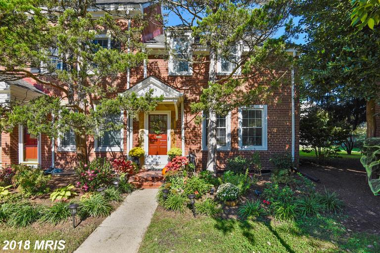 Fairlington Glen Townhouse In 22206 In Arlington County For $619,000 thumbnail
