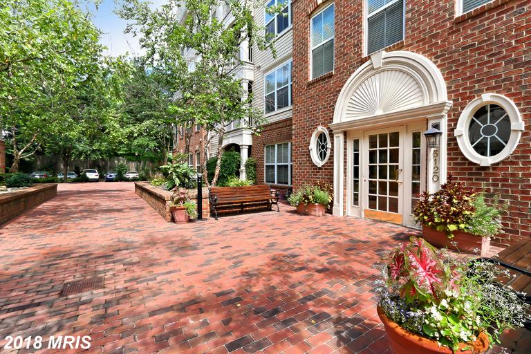 Does It Pay To Be Nice When Buying A 2-Bedroom Colonial Home Like 5120 Donovan Dr #206 In Cameron Station? thumbnail
