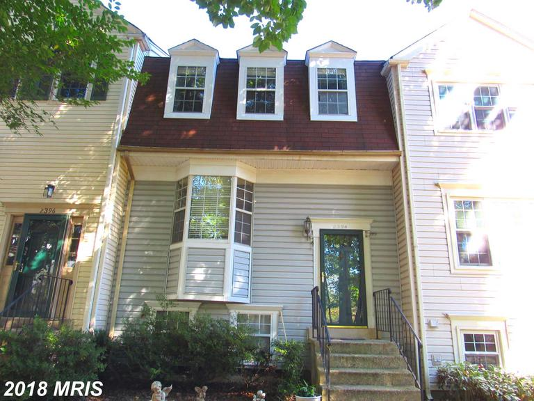 $330,000 For 3 BR / 1 BA Newly-listed Townhouse In 20191 thumbnail