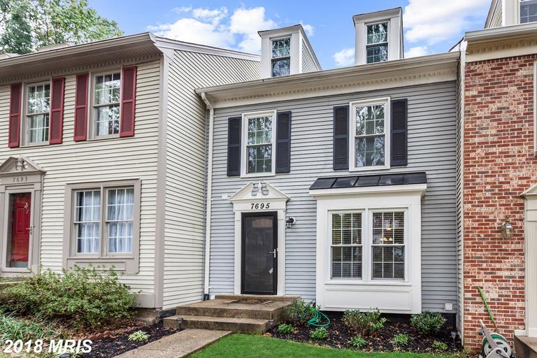 3 BR / 2 BA Newly-listed Townhouse On The Market At $419,000 In Springfield Oaks thumbnail