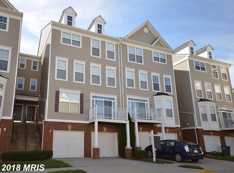Save $1,865 On A Interesting Colonial Townhouse In Northern Virginia thumbnail