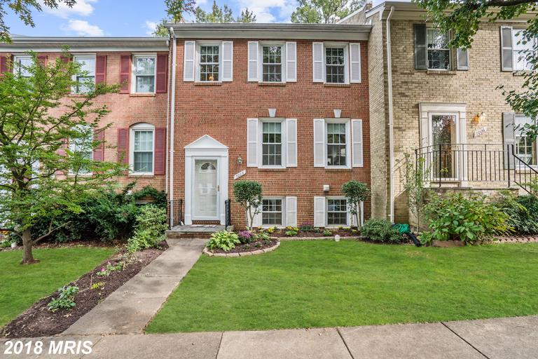 $489,000 For 4 BR / 3 BA Traditional Townhouse In 22151 In Fairfax County thumbnail