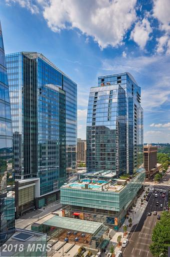 Take A Look At This 2 Bedroom Rental At Rosslyn thumbnail