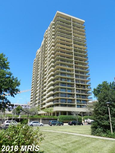 Mid 20th-Century High-Rise Condo In Alexandria, Virginia thumbnail
