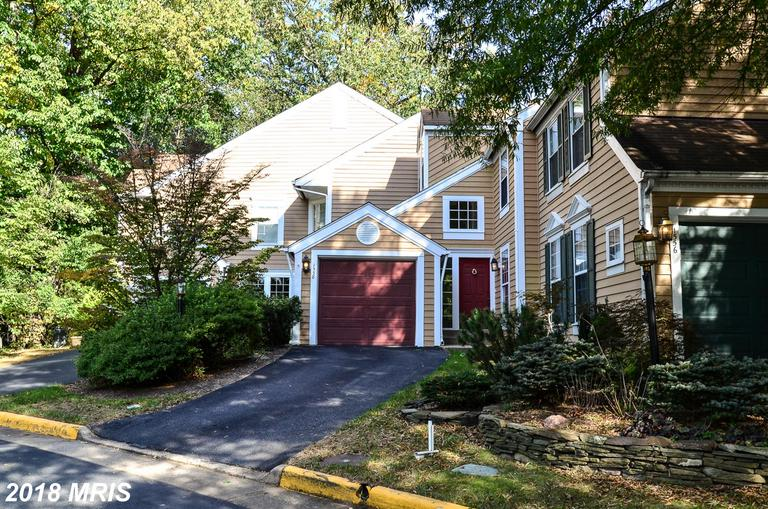 4 BR / 3 BA Townhouse For Sale At $500,000 In Reston thumbnail