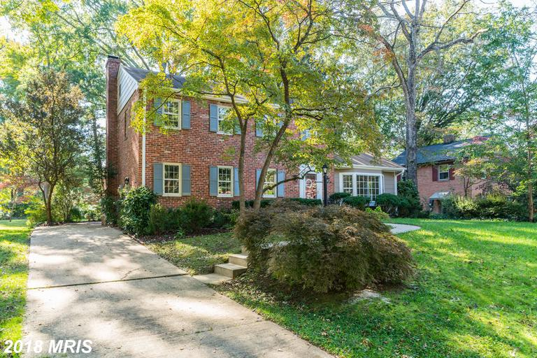 4-BR Colonial-Style Home Listed Like 1907 Bridle Ln thumbnail
