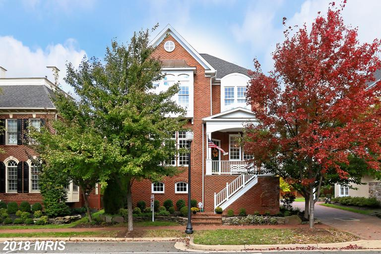 $1,090,000 In Northern Virginia At Cameron Station // 4,184 Sqft Of Living Area thumbnail