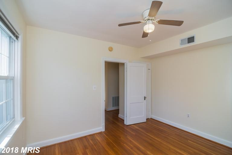 Photo of 300 Commonwealth Ave #3