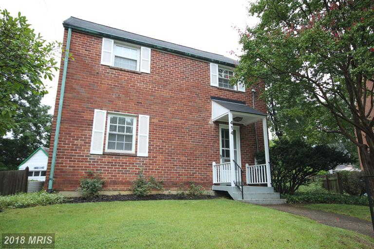 $2,900 In 22203 In Arlington Within Walking Distance To Metro Station Has 1,144 Sqft Of Living Area thumbnail