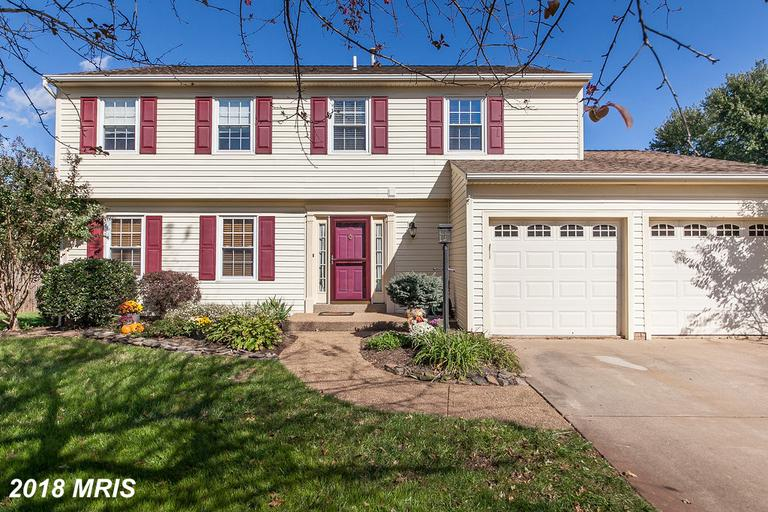 $395,000 For This Surprising Colonial For Sale Located At 10225 Malvern Ct thumbnail