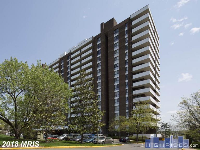 One-Of-A-Kind $209,000  ||  250 Reynolds St #1005 Alexandria VA 22304 thumbnail