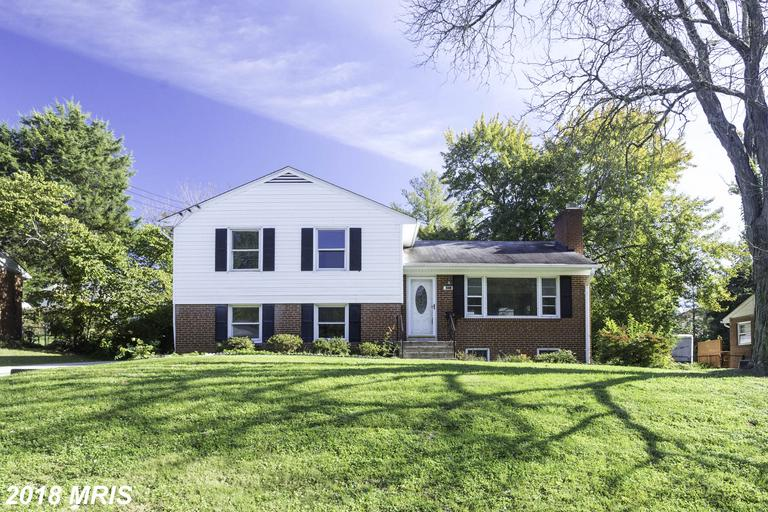 $3,500 In 22101 In Fairfax County At Walking Distance Huntington Metro Stop For Rent $3,500 // 4 Beds // 2 Full Baths thumbnail
