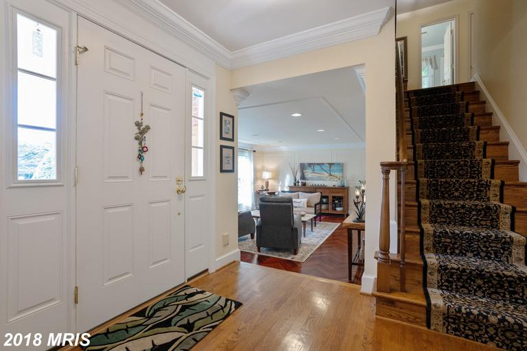 3708 Carriage House Ct