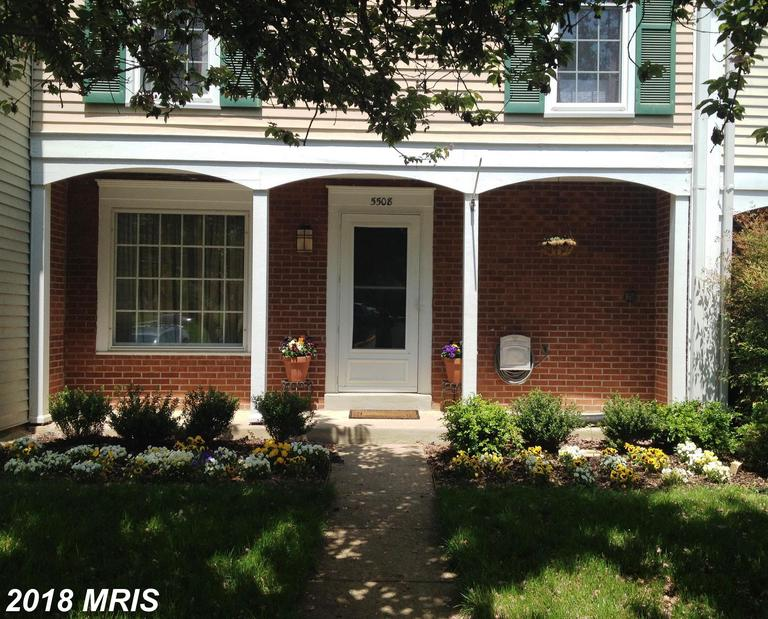 3 Bedroom Townhouse, 4 Days On Market Very Close To Huntington Metro thumbnail