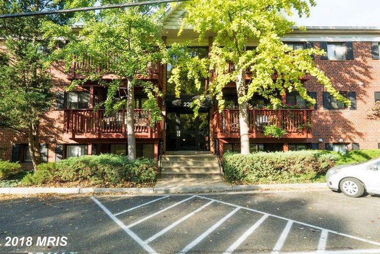 Photos And Rental Prices Of Garden-Style Condos In Alexandria, Virginia thumbnail