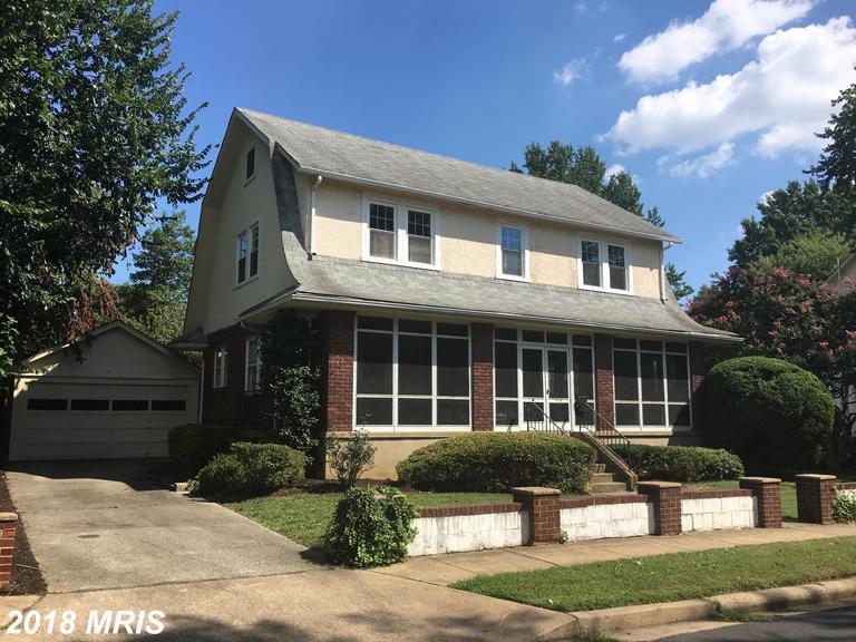 Luxury Single-Family Home In Sought After Lyon Village In Arlington, Virginia thumbnail