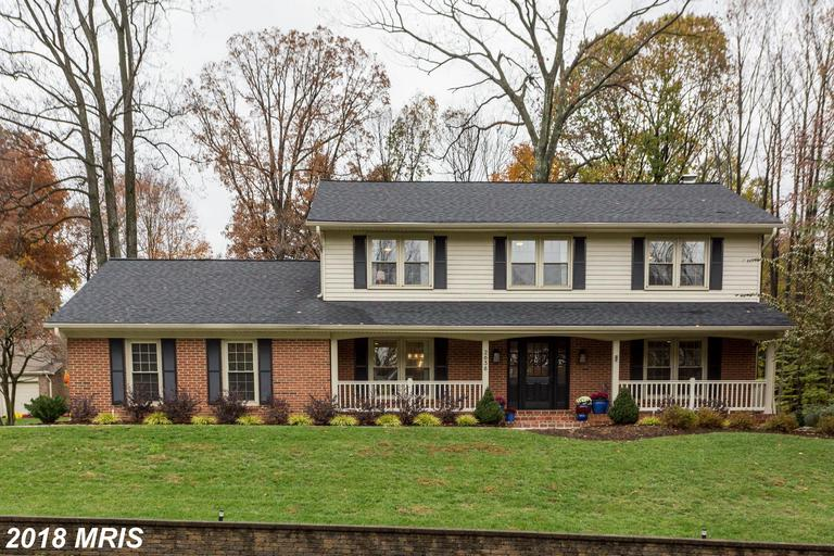 Learn More About 2638 Oakton Glen Dr Vienna VA 22181  ::  $939,000 thumbnail