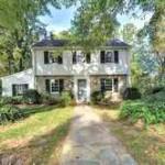 House in 6128 Edgewood Ter, Alexandria VA, 22307.