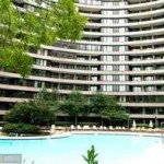 Where are the condos of Crystal Gateway in Arlington VA?
