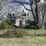 House in 6427 14th St Alexandria VA 22307.