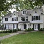 A Single family house at 6211 Randall Ct Alexandria VA 22307